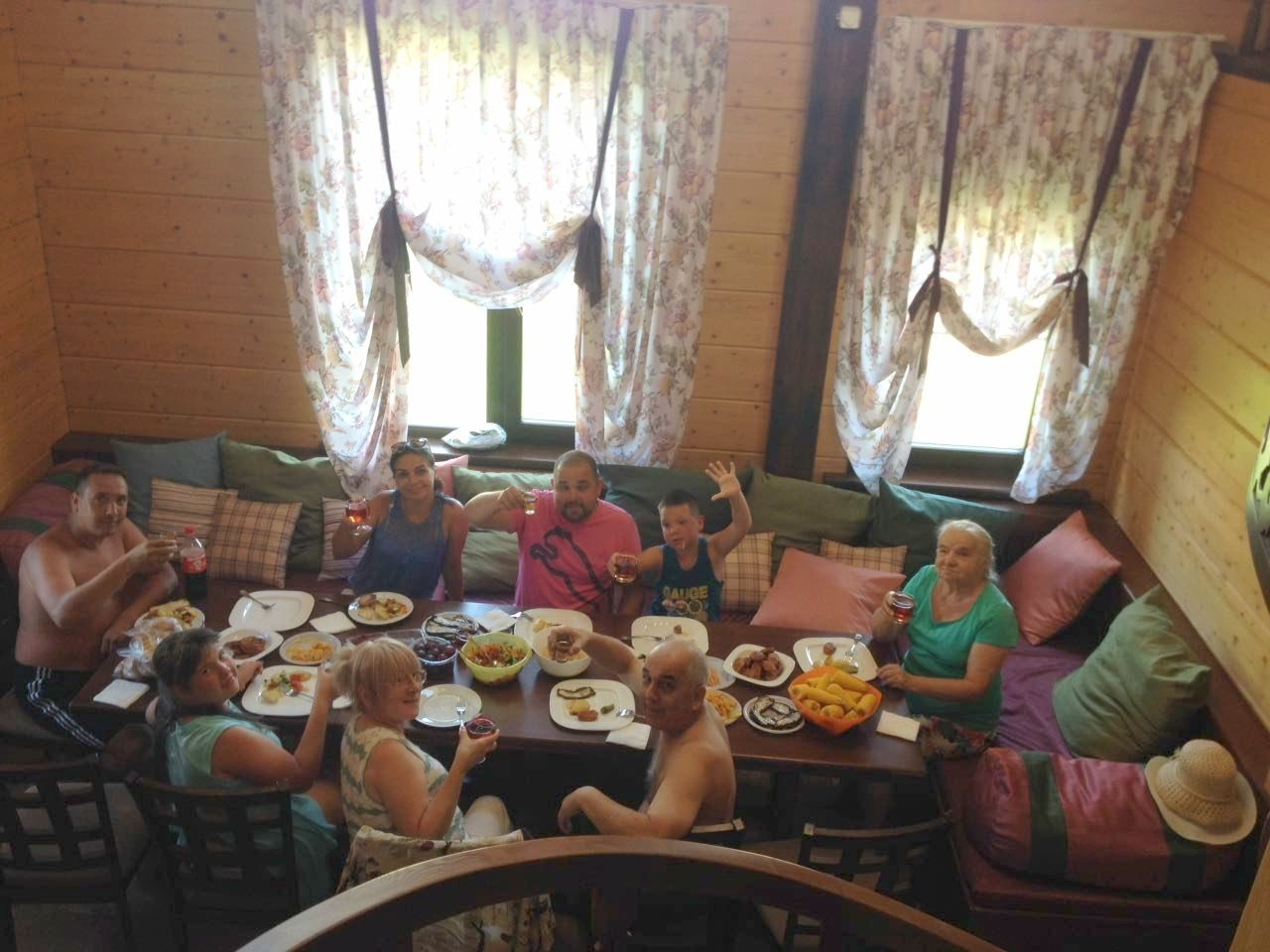 семья Новорузалиевых (г.Астрахань)