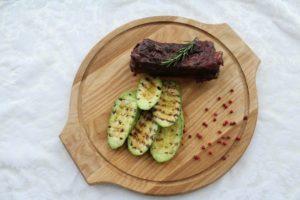 томбенное говяжье ребро с вишневым соусом